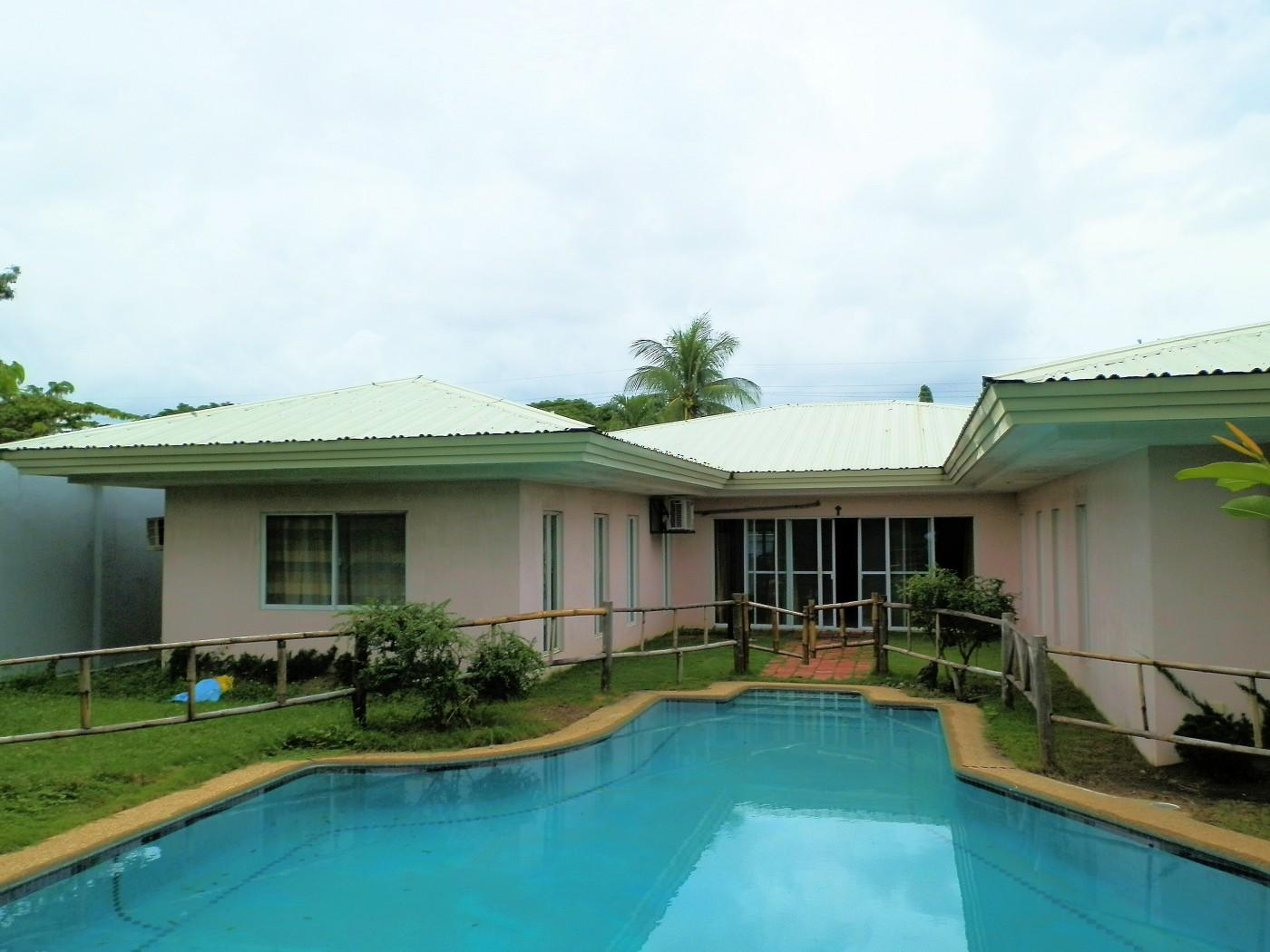 Mabuhaii Molo Haus mit Pool